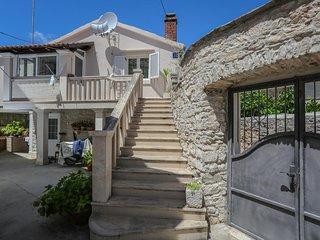 Two bedroom apartment Supetar (Brač) (A-17286-a)