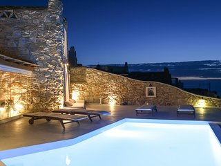 Villa Rea, cozy villa with sunset view and beautiful outdoor areas