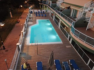 Golden beach nr 2, Ground floor apartment with a lovely pool.