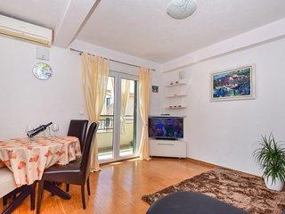 Two bedroom apartment Igrane (Makarska) (A-16878-a)