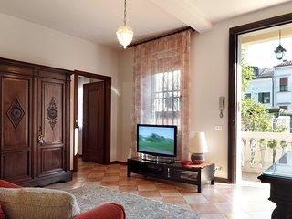 Meraviglioso e spazioso appartamento in Centro Storico con GIARDINO!