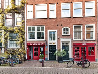 2BR LUXURY IN AMSTERDAM CENTER