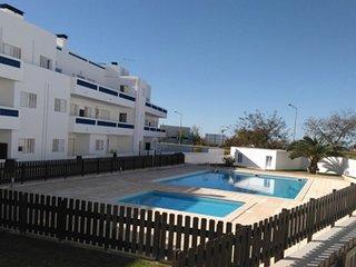 Apartamento T2 com piscina Santa Luzia