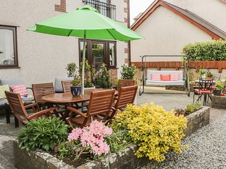 BWLCH Y GWYNT BACH, WiFi, Juliet balcony, king-size bed, en-suite, Llangefni