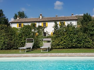 San Ruffillo Villa Sleeps 12 with Pool and WiFi - 5765088