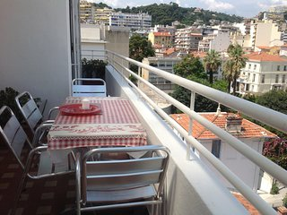 Adorable, spacious Top Floor apartment  with 2 Sunny Balconies