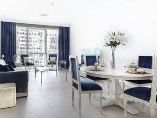 Deluxe 2BR in JBR with Beach Access! Sleeps 5!