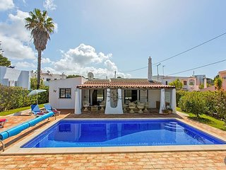 Vilamoura Villa Sleeps 6 with Pool and Air Con - 5793442