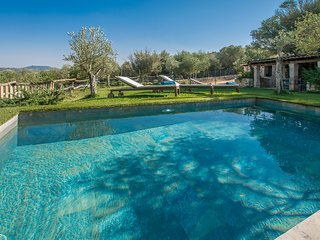 YourHouse Es Moli - villa in a secluded spot with private pool, garden and bbq