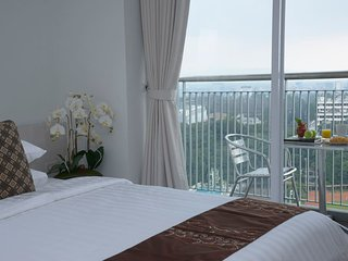Dago Suite Luxury 4BR Apartment