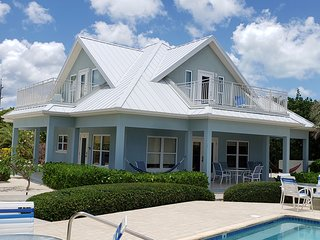 Luxury Home near Rum Point w/ Beachfront Pool, Spectacular Views, # 3 Blue