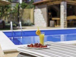 Villa Barbara - Luxurious Villa with Private Pool