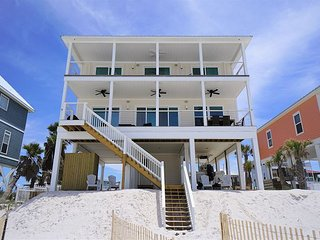 New build, gulf front home w/elevator and beach gear included!