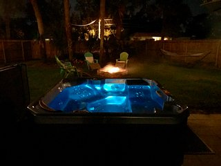 A* weekday special with Hot Tub in our oasis, Near DWTN St Augustine & Beaches