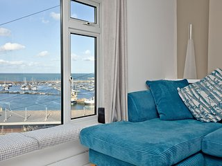 Castaway Cottage, Brixham - A bright and spacious cottage with views across Brix