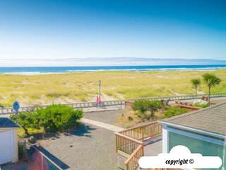 44 8th Ave - BEACHY KEEN: Ocean View + Pet Friendly