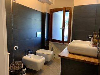 Camera Matrimoniale con bagno esterno privato
