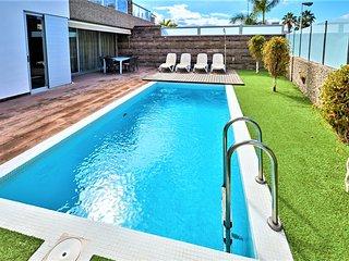 6 bedroom Villa in Costa Adeje 4
