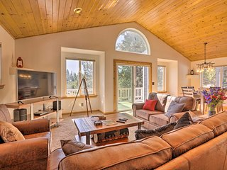 NEW! Charming Tahoe Donner Home w/ Deck & Grill!