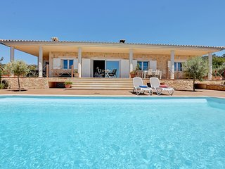 CHIC & COMFORTABLE Villa Puntiró with PRIVATE POOL, TERRACE & VIEWS