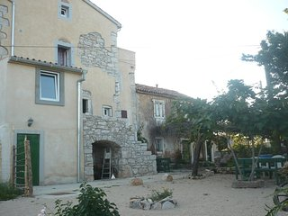 Batajne Holiday Home Sleeps 6 - 5409419