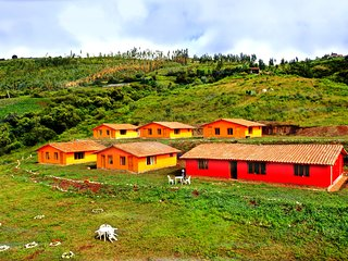 Alturuna Lodge offers lodging, tours, trekkings and events in Mollepata, Cusco