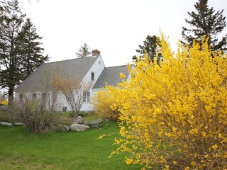 LITTLE DEER ISLE - Meadow Point Cottage