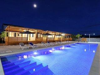 ☀️Ferienhaus Kroatien, 2 Min.zum Strand, 100qm Pool, bis 6 Personen☀️