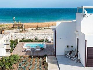 Reitani Villa Sleeps 12 with Pool Air Con and WiFi - 5782826