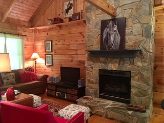 'Best in Show' Cabin near TIEC
