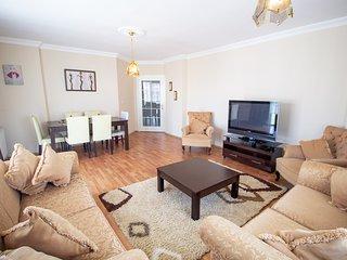 Yenisehir Park . ⭐ Spacious 3+1 Apartment Next to Airport (SAW)