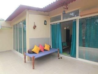 Meraki - 1BR AC Apartment with private terrace
