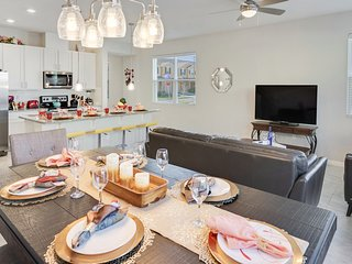 SPECIAL OFFER! - Brand new Town Home in Orlando - Close to Disney and Outlets!