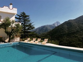 Villa Cancello del Leone in Tuscany, Italy with Majestic View and Pool