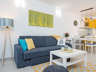 NEW! Yellow Kala apartment****