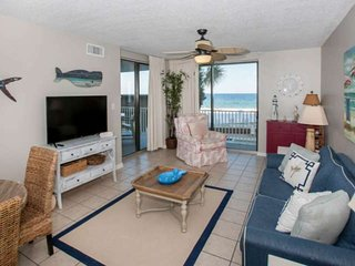 Gulf-front on 2nd floor | In/Outdoor pools, Hot tub, Fitness, BBQ | Free golf, f
