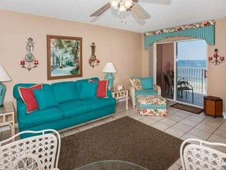 Gulf-front Low Density Complex | Outdoor pool, BBQ, Wifi | Free golf, dolphin cr