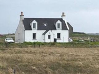 Traditional Croft House, holiday rental in Baleshare