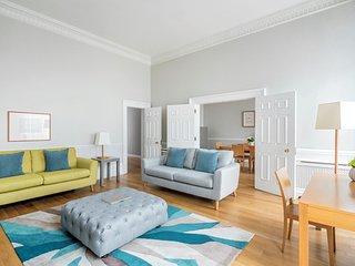 2 bedroom 2 bathroom Apartment located on old Park Lane opposite Hyde Park