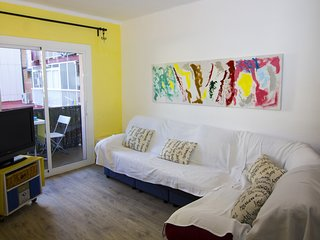 3 bedroom apartment close to the beach