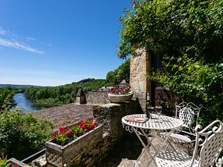 Magical view of the river Dordogne in the heart of the village of  Beynac