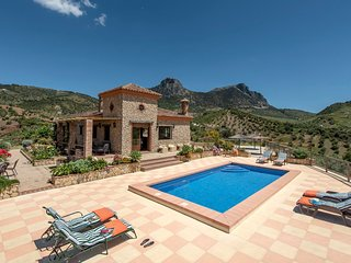 Zahara de la Sierra Villa Sleeps 6 with Pool Air Con and WiFi - 5793787