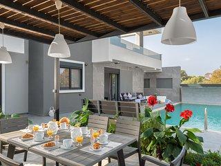 Paradise Family Pool Villa/Harmony Residences