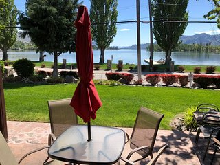 Lakefront Townhouse Family Complex, Popular Wine Country and the Best Golfing