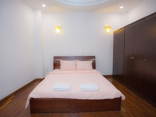 CBD Home 2 - Home in Central (Bedroom2)