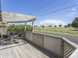 FAMILY FRIENDLY IN FITZROY - LARGE HOLIDAY HOUSE