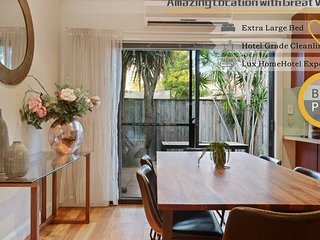 Tranquil and Spacious Home near Shopping Mall