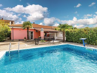 Awesome home in Rijeka w/ Outdoor swimming pool, WiFi and Outdoor swimming pool