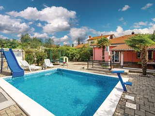 Awesome home in Rijeka w/ Outdoor swimming pool, WiFi and Outdoor swimming pool