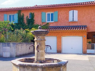 Amazing home in L'Isle-sur-la-Sorgue w/ WiFi and 2 Bedrooms